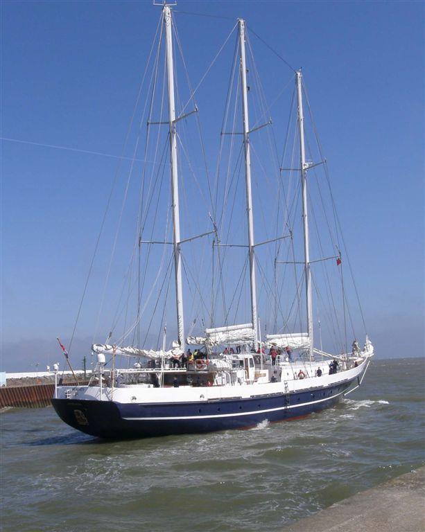 Photo of tall ship Eendracht