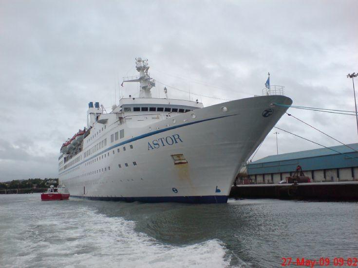 Passenger ship Astor at Rinaskiddy