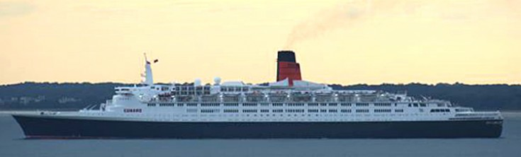 Queen Elizabeth 2 at New York