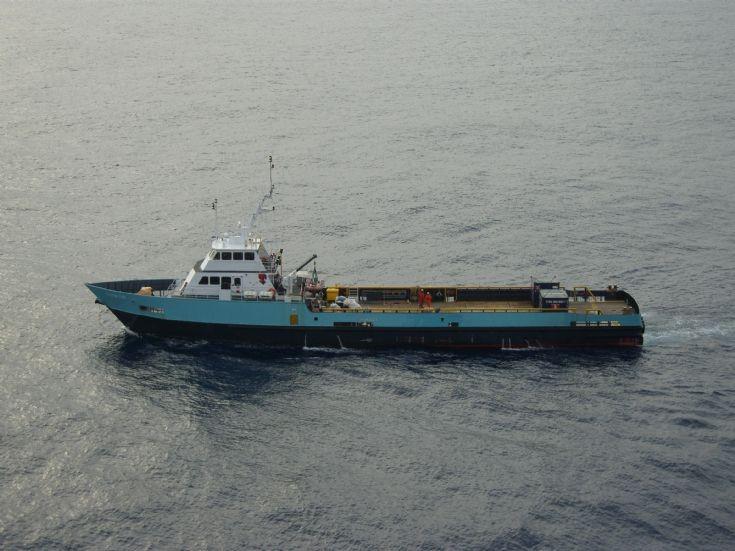 Crew boat Jo Lynn Tide