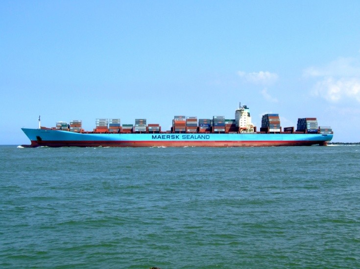 Maersk Sealand container ship