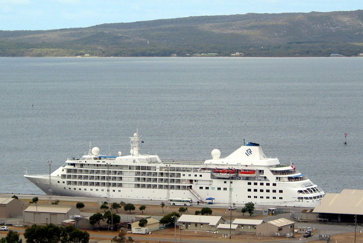 Cruise ship ms Silver Cloud in Albany Australia