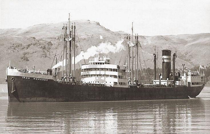 Iron Monarch leaving Rapid Bay