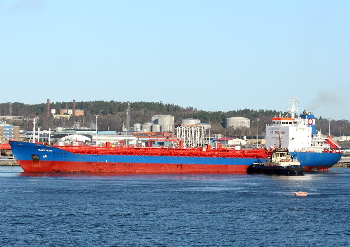 Isarstern at Skarvikshamn