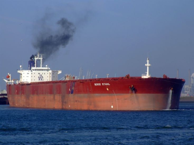 Photo of the bulker Berge Stahl