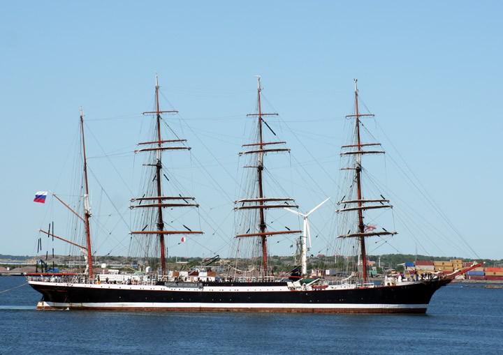 Sedov approaching Torshamn, Gothenburg