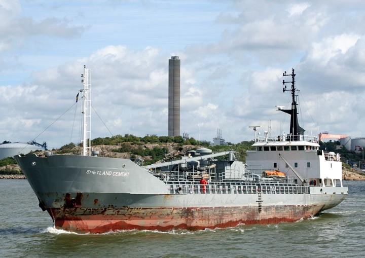 Shetland Cement departing Gothenburg