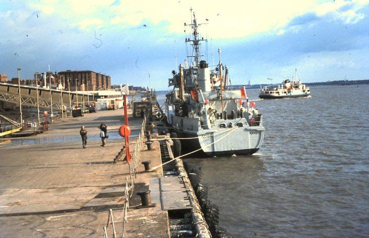 HMS WALKERTON M 1188.