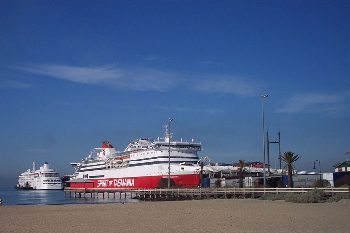 Spirit of Tasmania and the Silver Cloud