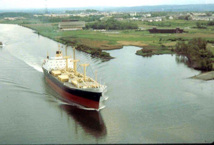 Cargo vessel CRESTBANK