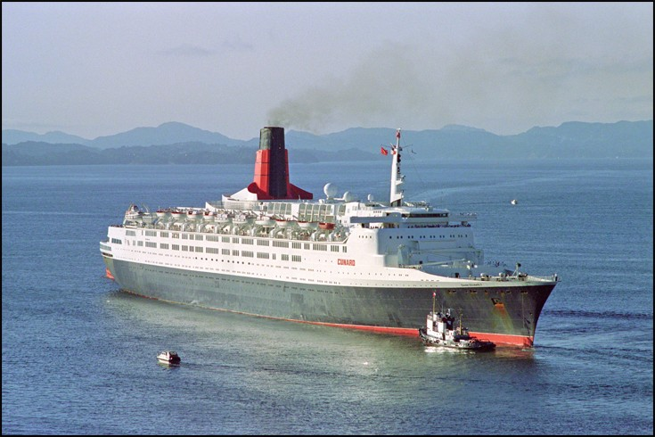 QUEEN ELISABETH 2 - Cruise ship
