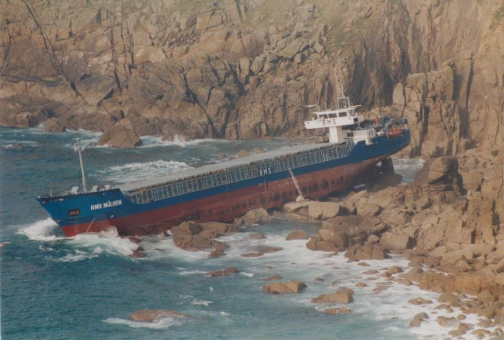 RMS Mulheim on the rocks