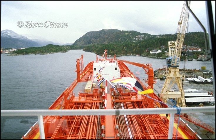 BOW CECIL - Chemical tanker seen at Kleven