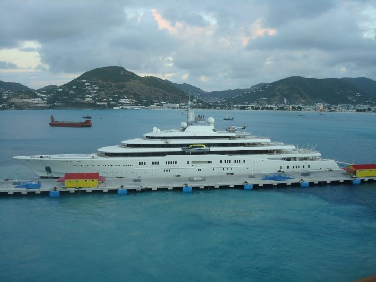 Cost to build wooden boat names worlds largest yacht for Largest private boat