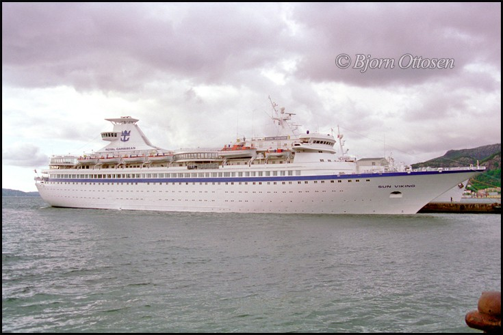 Ships And Harbours Photos - SUN VIKING - Cruise Ship