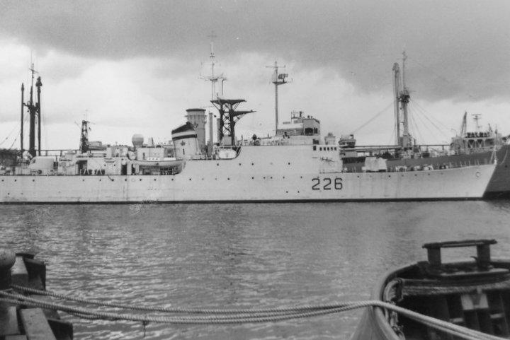 HMCS Crescent DDE226 at Halifax 1962