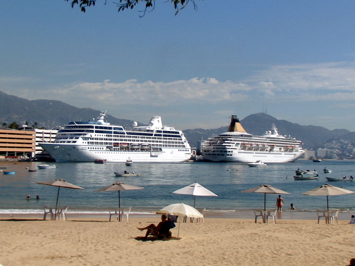 MS Artemis alongside another cruise liner