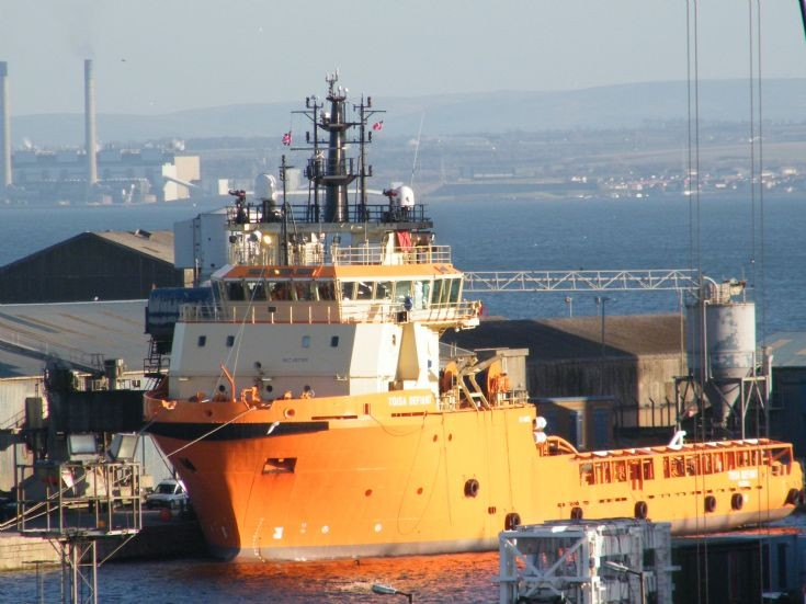 Toisa Defiant moored at Leith Docks