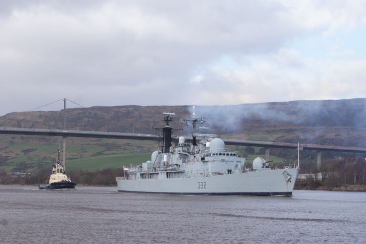 HMS Liverpool passing Erskine Bridge