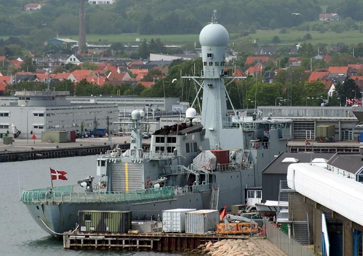 HDMS Vaedderen (F359) at Fredrikshavn