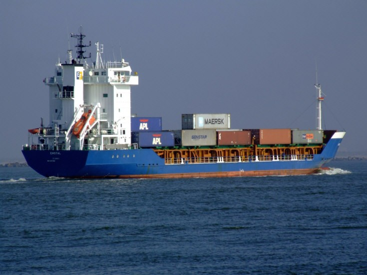 Container ship destined for Rotterdam