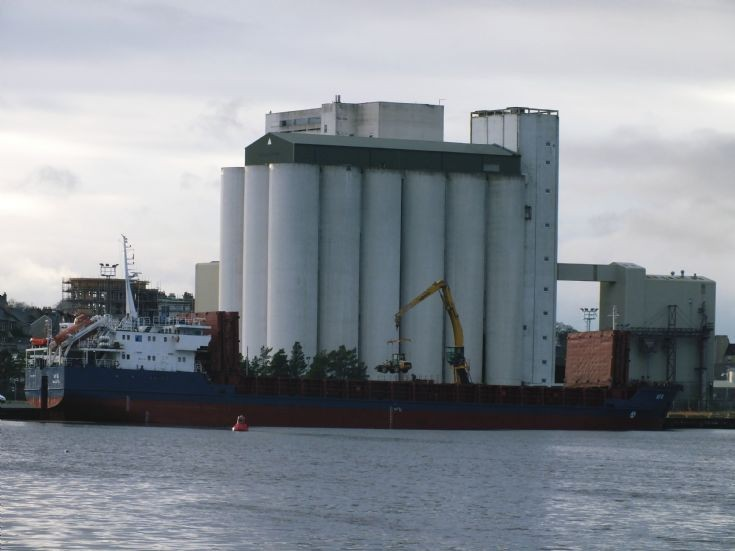 Cargo ship UFA