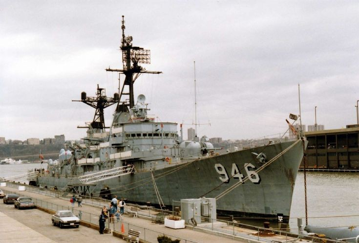 USS Edson New York 1990