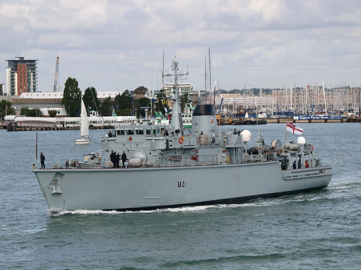 Photo of HMS Quorn at Portsmouth
