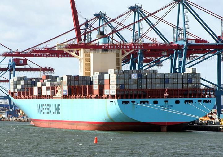 Evelyn Maersk at Skandiahamn