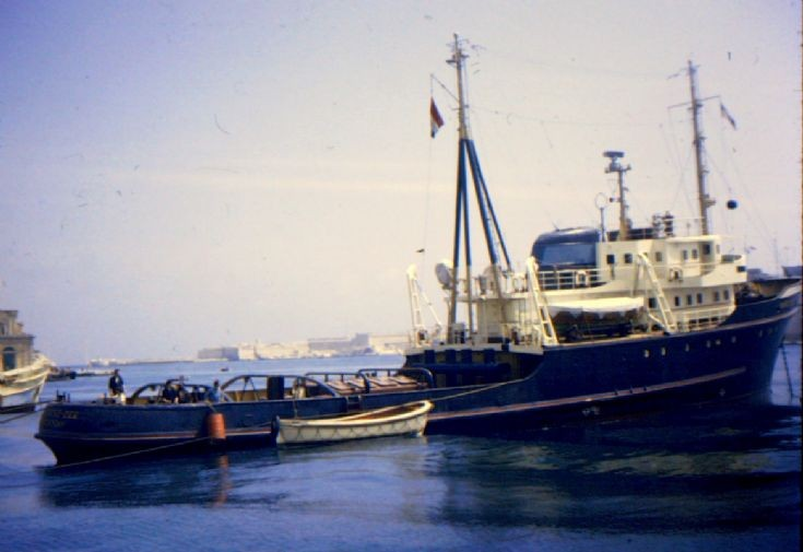 Dutch salvage tug 'Barentsz-Zee' of 1957