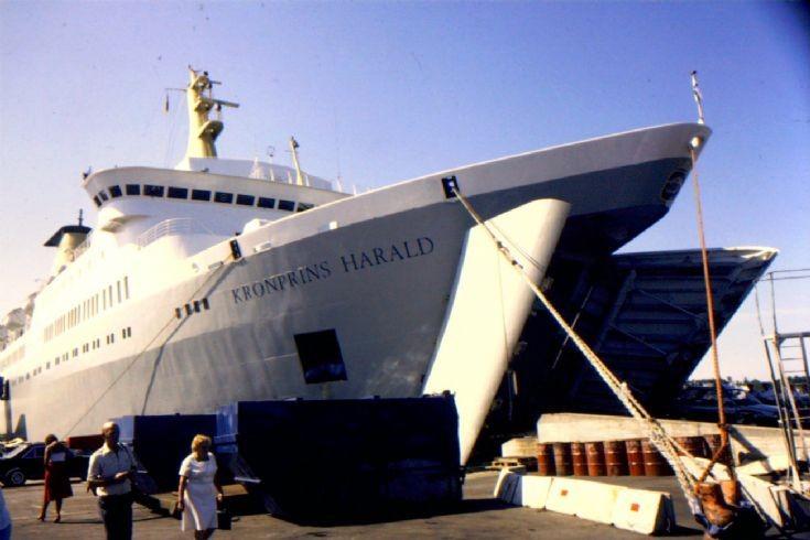 Norwegian ship 'Kronprins Harald' (1)