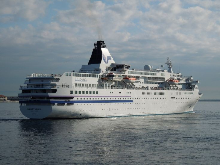 Japanese cruise ship 'Pacific Venus' (3)