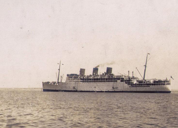 Passenger liner RMS Strathnaver at Cadiz