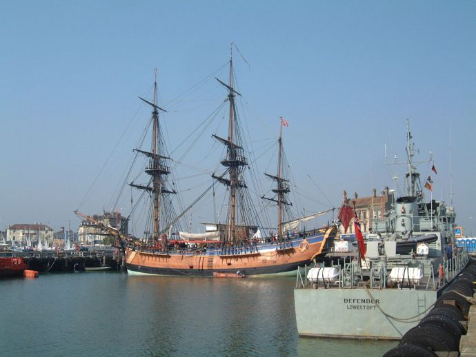 HM Bark Endeavour, Replica