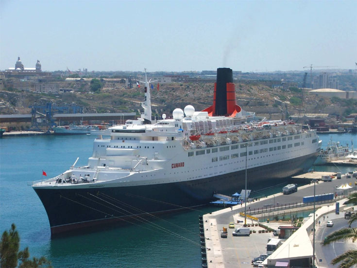 QE 2 at Valletta