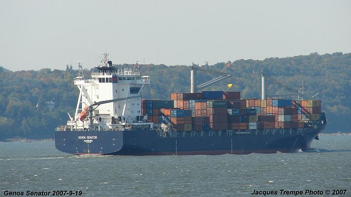 Container vessel Genoa Senator