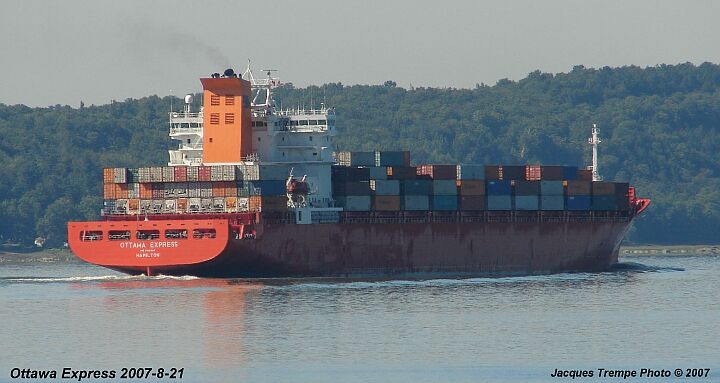Container ship Ottawa Express