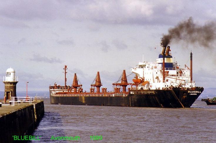 Bulk carrier Bluebill leaving Avonmouth 1999