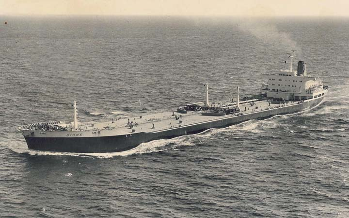 Shell Tanker Dione