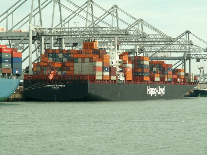Container ship Shanghai Express