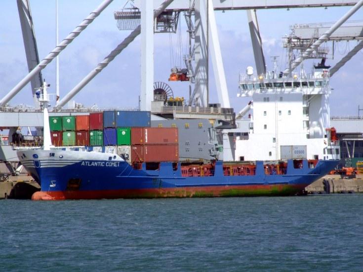 Container ship Atlantic Comet