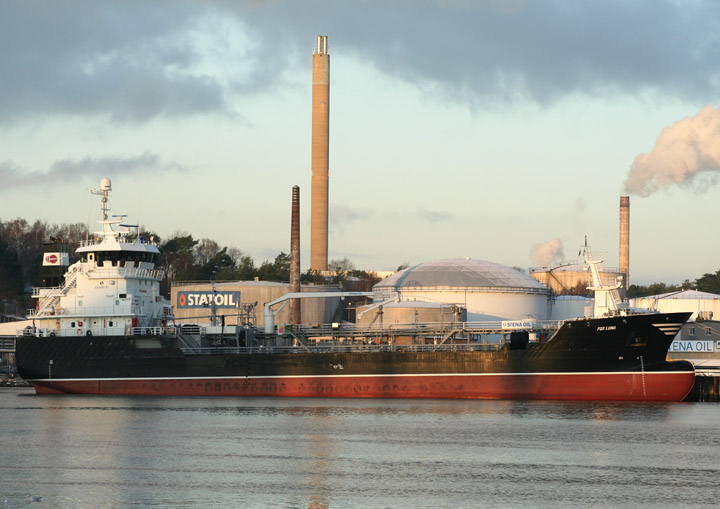 Fox Luna, product tanker, at Ryahamnen, Gothenburg