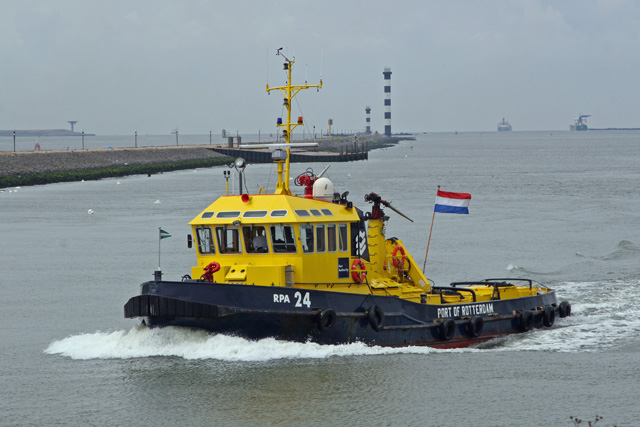 Rotterdam Port Authority 24