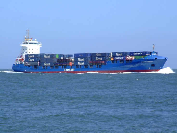 Container ship Samskip Courier